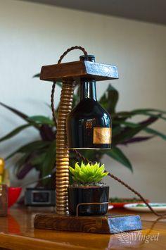 Винтажный светильник-цветочница. Обработанное дерево, разрезанная бутылка, медные элементы, витой провод, светодиодная лампа. Растение - Asphodelaceae Haworthia cooperi.
