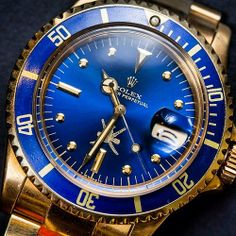 the Submariner in 18K yellow gold with midnight blue bezel and nipple dial made for the Sultan of Oman
