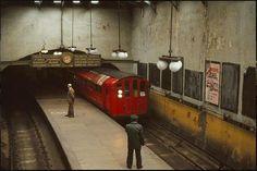 Glasgow Subway, Transport Pictures, London Underground Train, Paisley Scotland, Third Rail, Glasgow City, Uk History, Call Of Cthulhu, Old Trains