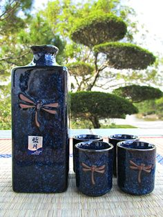 The #dragonfly is a symbol of #summer in #Japan, and traditional ceramic keeps your #sake cool even in this most sweltering season. #morikami