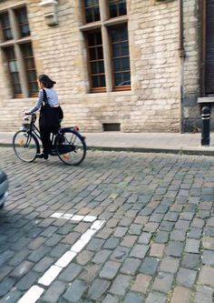 Oostende. Girl on the street.