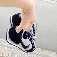 Les nouvelles petites chaussures Nike pour la rentree qui approche à grands pas...👣🤔