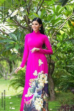 Áo dài Miss Vân chuyên tư vấn, thiết kế và may áo dài, áo dài vẽ MV415. Nhận may áo dài toàn quốc và gửi ra nước ngoài.