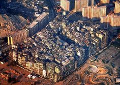 Kowloon Walled City was a former Chinese military fort turned into largely ungoverned settlement in Kowloon, Hong Kong. families used to live in 300 buildings. Kowloon Walled City was completely demolished in April Kowloon Walled City, Hong Kong, Dreamland, Abandoned Cities, Deco Originale, Ghost Towns, Terra, Plymouth, City Photo