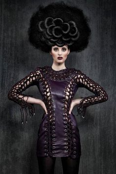 That dress! What Is Fashion, Fashion Beauty, Modern Fashion, Creative Hairstyles, Cool Hairstyles, Fantasy Hairstyles, Hair Art, My Hair, Avant Garde Hair