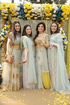 Delhi NCR weddings Delhi NCR weddings Mona Patel Time when I get married Stunning bridesmaids at a mehendi in matching pastel outfits WedMeGood nbsp hellip Bun indian wedding with maang tikka Indian Bridesmaid Dresses, Bridesmaid Outfit, Indian Wedding Outfits, Indian Dresses, Indian Outfits, Pakistani Outfits, Bridesmaid Poses, Bridal Dresses, Indian Attire