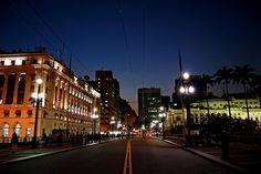 São Paulo - Viaduto do Chá by Eli K Hayasaka, via Flickr