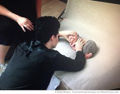 How to Put a Baby To Sleep Before a Photo Session - iHeartFaces.com with Kelly Brown and Sue Bryce