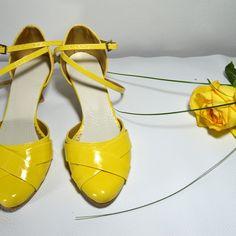 Farebné svadobné topánky, Barevné svatební boty, Colour Weddig shoes - yelow, žlutá, žltá Lace Up, Shoes, Fashion, Moda, Zapatos, Shoes Outlet, Fashion Styles, Shoe, Footwear