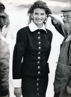 Photos PETER LINDBERGH  Vogue paris - Paris s'eveille - Linda Evangelista - Sep 1988