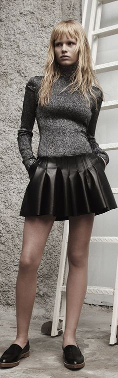 Alexander Wang ● Resort 2014. Leather pleated skirt. Turtle neck sweater. V  @emmaruthXOXO #J'ADOREALEXANDERWANG