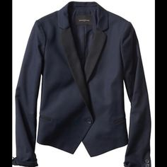""""""" HP """"  Color Block Tuxedo Blazer !   Beautiful color block tuxedo blazer ! Notch lapel ! Color """" True Navy """" ! Single button closure ! Small soft shoulder pads inside lining ! Fully lined ! Welt pockets ! Button cuffs ! Center back vent ! Machine wash ! Beautiful ! Perfect !  I have in different sizes ! Banana Republic Jackets & Coats Blazers"""