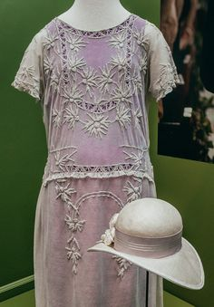 Photos From Inside the Most Epic Downton Costume Exhibit Ever - Day At The Museum - Racked National