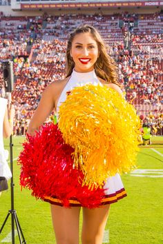 Football Cheerleaders, Cheerleading, Ncaa College, University Of Southern California, Rock Outfits, Law Of Attraction, Women Lingerie, Gymnastics, Nfl