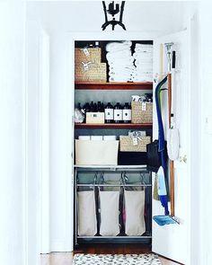 Now that's a linen closet. Absolute perfection. 👌🏼 @blissathome1 #laundry #closet #organize #shelfie #inspiration
