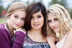 Photography Poses For Girls Sisters Senior Portraits Ideas Sister Poses, Friend Poses, Sibling Poses, Girl Poses, Siblings, Sister Photography, Best Friend Photography, Teen Photography, Celebrity Photographers