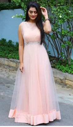 Indian Wedding Gowns, Indian Gowns Dresses, Indian Bridal Outfits, Indian Fashion Dresses, Prom Dresses With Sleeves, Indian Designer Outfits, Designer Dresses, Long Gown Dress, Anarkali Dress