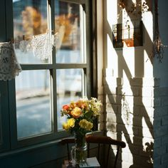 Sunlight through the window on the vase of flowers. Autumn Lights, Winter Light, Window View, Through The Window, Morning Light, Light And Shadow, Photos, Pictures, Photographs