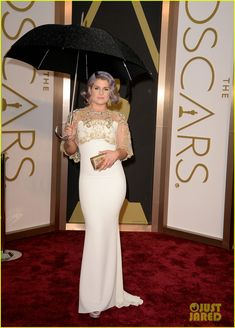 kelly osbourne guiliana rancic oscars 2014 red carpet 01 Kelly Osbourne and Giuliana Rancic step out on the red carpet at the 2014 Academy Awards held at the Dolby Theatre on Sunday (March 2) in Hollywood. The two E!…