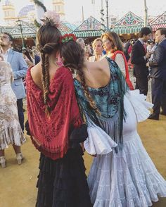 Spanish Fashion, Ready To Wear, How To Look Better, Wedding Decorations, Street Style, Style Inspiration, Boho, Lady, Hair Styles