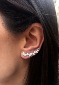 He encontrado este interesante anuncio de Etsy en https://www.etsy.com/es/listing/226551721/sale-on-20-two-swarovski-ear-cuffs-ear
