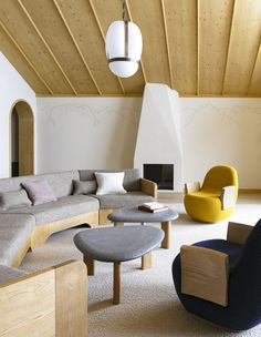 This new elegant chalet hotel is designed by Pierre Yovanovitch - The Hotel Trotter Pierre Yovanovitch, Famous Interior Designers, Top Designers, Chalet Design, Treatment Rooms, Best Interior, Warm And Cozy, Interior Architecture, Modern Design