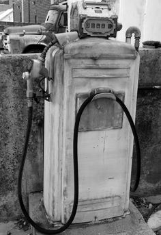 1000 images about history vintage pumps on pinterest gas pumps texaco and old gas pumps. Black Bedroom Furniture Sets. Home Design Ideas