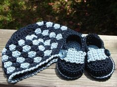 free crochet baby bootie patterns | wraps crochet baby booties a free crochet pattern for baby booties ...
