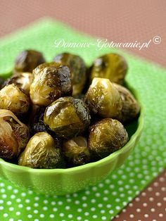 Brukselka z piekarnika Vegetable Side Dishes, Vegetable Recipes, Meals Without Meat, Polish Recipes, Polish Food, Good Food, Yummy Food, Food And Drink, Healthy Recipes