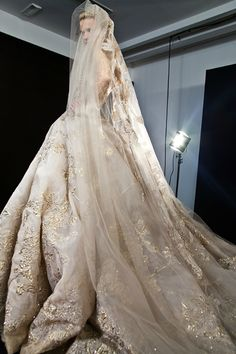 Elie Saab - Fall/Winter Haute Couture   @Backestage