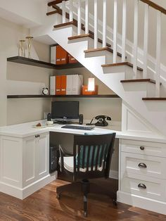 There are lots of methods to create under stair storage space. I really like the manner that this under stair storage space stipulates a desk area for those kids. Home Office Design, Home Office Decor, Home Decor, Office Ideas, Office Nook, Office Furniture, Office Designs, Office Setup, Office Seating