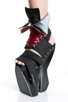 Hats Have It: Kristen Cleal Millinery Creative Shoes, Unique Shoes, Fashion Mode, Fashion Shoes, Shoe Boots, Shoes Heels, Pumps, Funny Shoes, Weird Shoes