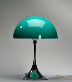 Mid Century Panthella lamp, design Verner Panton old gold Interior Lighting, Modern Lighting, Lighting Design, Deco Luminaire, Luminaire Design, Deco Retro, Retro Vintage, Desk Lamp, Table Lamp