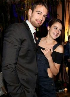 Theo James and Shailene Woodley= Perfect cast to portray Four and Tris :) Be Brave Divergent, Divergent Hunger Games, Divergent Fandom, Divergent Trilogy, Divergent Insurgent Allegiant, Tris And Tobias, Tris And Four, Shailene Woodley, Theo Theo