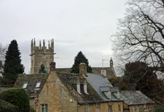Heart of England Way in the Cotswolds: Longborough rooftops