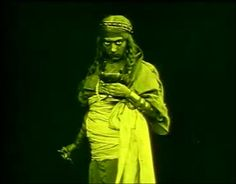 No me queda claro quien interpretó el papel de Locusta en una página en   finlandés encontré como posible actriz a una tal Sra. Sturla. ¿?  Agripina (1911) Agrippina (original title) Director: Enrico Guazzoni  Short | 1911 (UK)