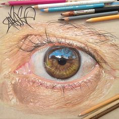 19-Year-Old Artist Creates Striking Hyperreal Drawings Of Eyes