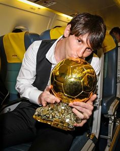 Messi Childhood, Messi 2010, Fc Barcelona Wallpapers, Cristino Ronaldo, Ballon D'or, Sunset Wallpaper, Lionel Messi, Soccer Ball, Leo