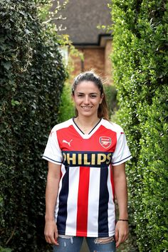 Daniëlle van de Donk - Blood In Blood Out Football Girls, Football Jerseys, Arsenal Fc Players, Arsenal Ladies, Classic Football Shirts, Fa Cup, Sports Shirts, Mens Suits, Blood