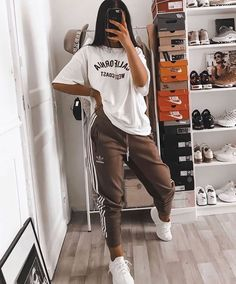 trendy outfits for school ; trendy outfits for summer ; trendy outfits for women ; trendy outfits for fall Cute Lazy Outfits, Chill Outfits, Mode Outfits, Simple Outfits, Stylish Outfits, Classy Outfits, Beautiful Outfits, Cool Outfits For Girls, Casual Comfy Outfits