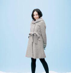 【NEW】麻生久美子さんが着る冬コート- STYLE LOOK