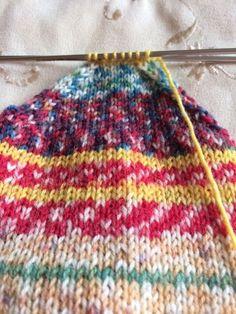 Basic Socks on a tiny circular needle: A sock miracle! Basic Socks on a tiny circular needle: A sock miracle! Knitted Socks Free Pattern, Crochet Socks, Knit Or Crochet, Knitting Patterns Free, Knit Patterns, Free Knitting, Knitting Socks, Baby Knitting, Knit Socks