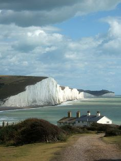 Seven Sisters, East Sussex, England.) It's a must to walk/run from the Country Park to Eastbourne. Places To Travel, Places To See, Wonderful Places, Beautiful Places, English Countryside, Belle Photo, Beautiful Landscapes, Brighton, Wonders Of The World
