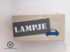 Wandlamp met jouw ontwerp erop.