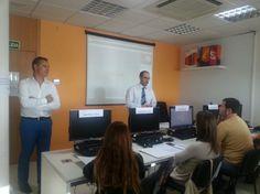 @javisevilla, CEO de #xtrared, dando la bienvenida a los alumnos de la nueva convocatoria del curso #SEO antes de que @Jose Pina comience la clase. @xtraredconecta #sermaseninternet
