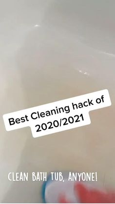 Diy Home Cleaning, Homemade Cleaning Products, Household Cleaning Tips, House Cleaning Tips, Shower Cleaning Tips, Spring Cleaning, Bathroom Cleaning Hacks, Simple Life Hacks, Useful Life Hacks