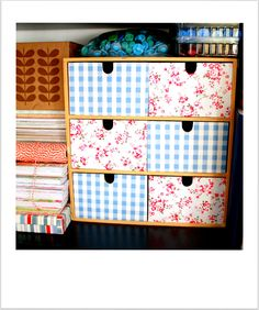 Mini drawer do-over Fabric Dresser, Diy Drawers, Organize Your Life, Diy Organization, Diy Fashion, Repurposed, Upcycle, Decoupage Ideas, Diy Projects