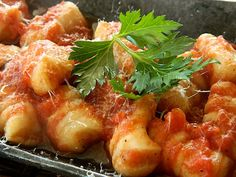Gnocchi all'Aglione (home-made gnocchi with Tuscan garlic tomato sauce) (dairy-free!)