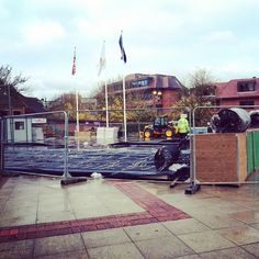 There's still a bit to do but the ice rink is coming along nicely! Have you booked your tickets? www.hillingdon.gov.uk/icerink