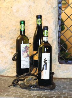 818 Vineyard 3 Tier Wine Holder